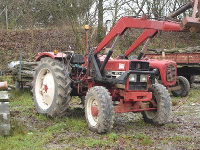 ih 633 4x4 avec chargeur a vendre les tracteurs rouges. Black Bedroom Furniture Sets. Home Design Ideas