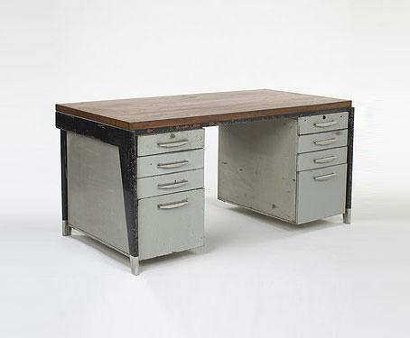 donne bureau en m tal. Black Bedroom Furniture Sets. Home Design Ideas