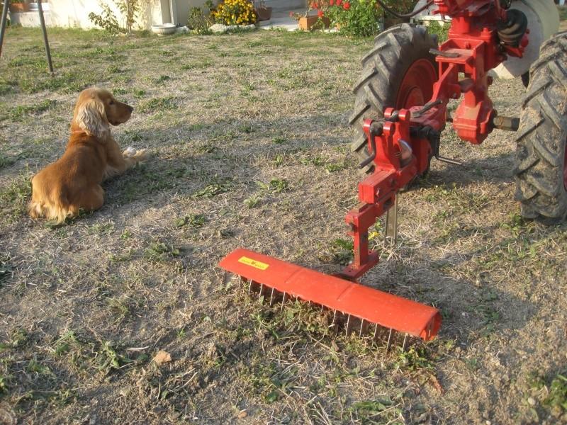 Scarificateur a gazon sur porte outils - Scarificateur pour pelouse ...