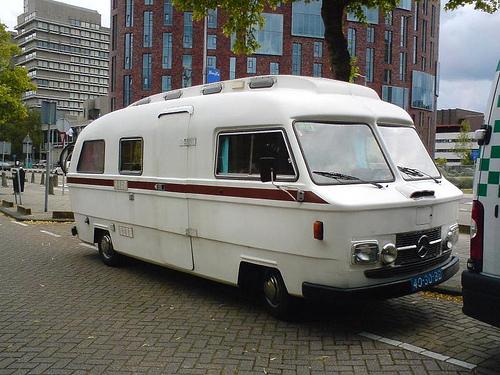 camping car mercedes old school. Black Bedroom Furniture Sets. Home Design Ideas