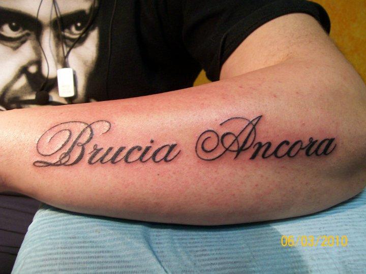 ricerche correlate a tatuaggi braccio interno scritte