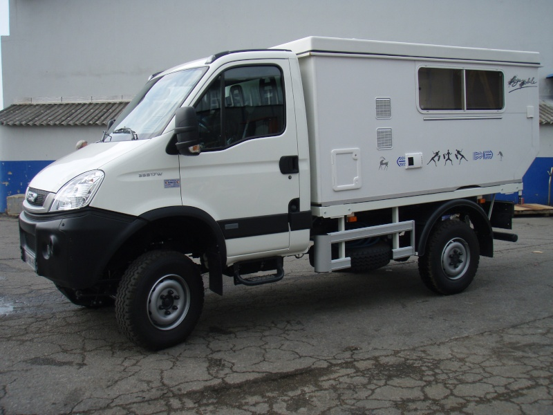 iveco daily 4x4 cellule 3c cartier amenagements brisebras. Black Bedroom Furniture Sets. Home Design Ideas