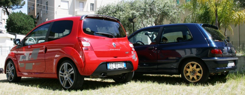 renault twingo rs cup rosso maya con adesivi. Black Bedroom Furniture Sets. Home Design Ideas
